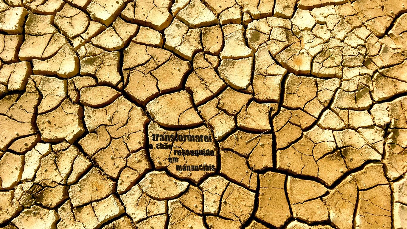 wallpaper cristao hd transformarei chão ressequido em mananciais terra seca_1366x768